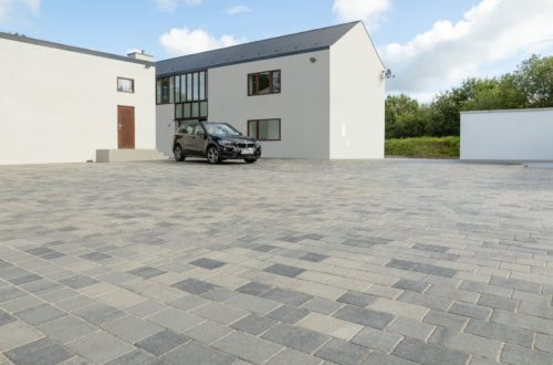 Thomond limestone blend and Verona Midnight setts