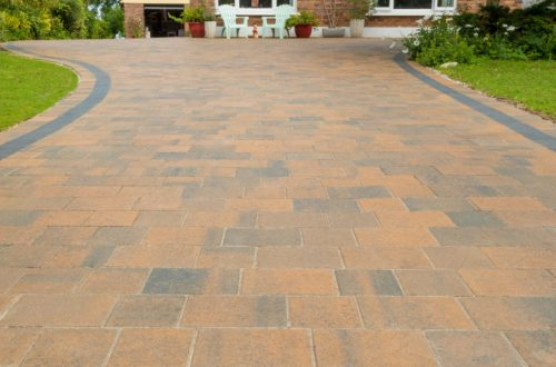 Thomond Harvest blend and charcoal paving