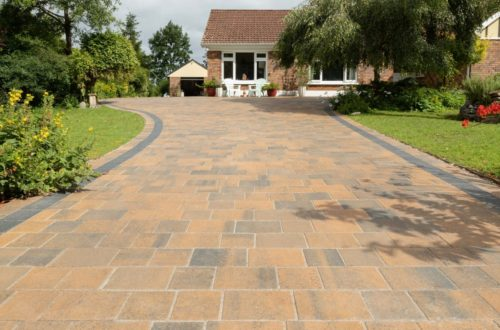 Thomond-Harvest-blend-and-charcoal-paving-scaled-1.jpg