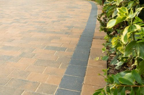 Thomond-Harvest-blend-and-charcoal-paving3-scaled-1.jpg